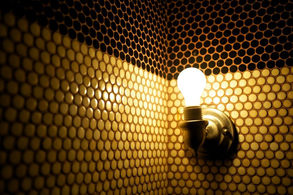 lightbulb_wall